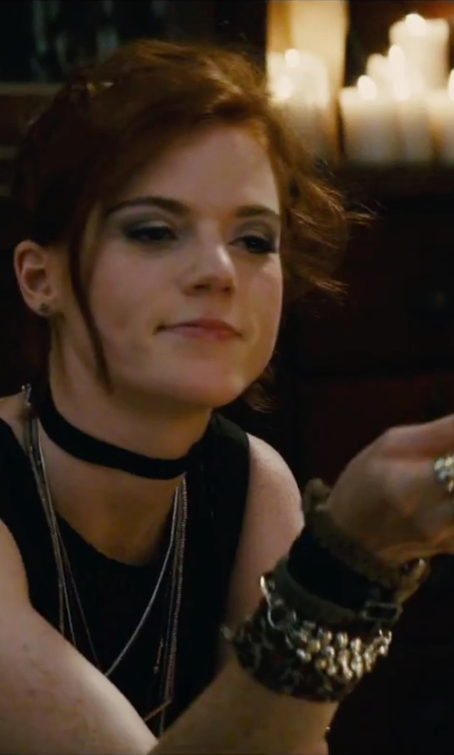 Rose Leslie with Lord & Taylor Flower Pearl Bracelet in The Last Witch Hunter