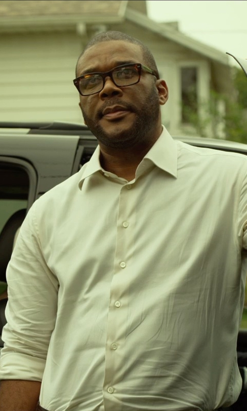 Tyler Perry with Peter & May Walk Rectangular Frames in Gone Girl