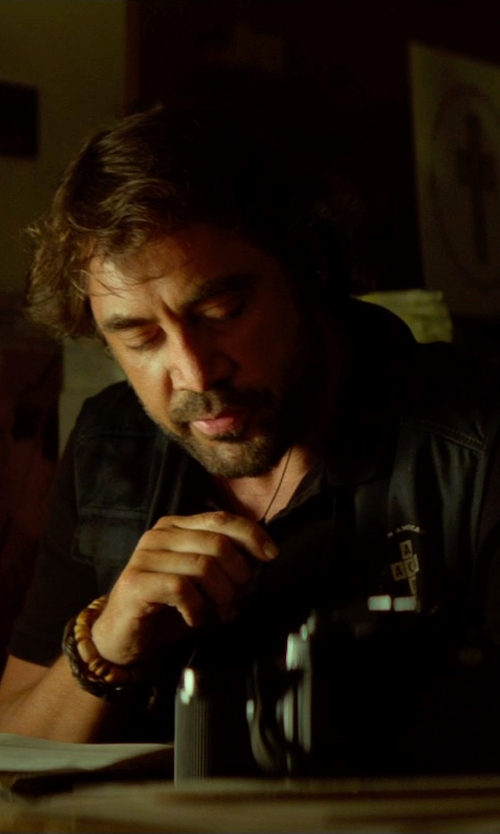 Javier Bardem with Gucci Crest Woven Leather Bracelet in The Gunman