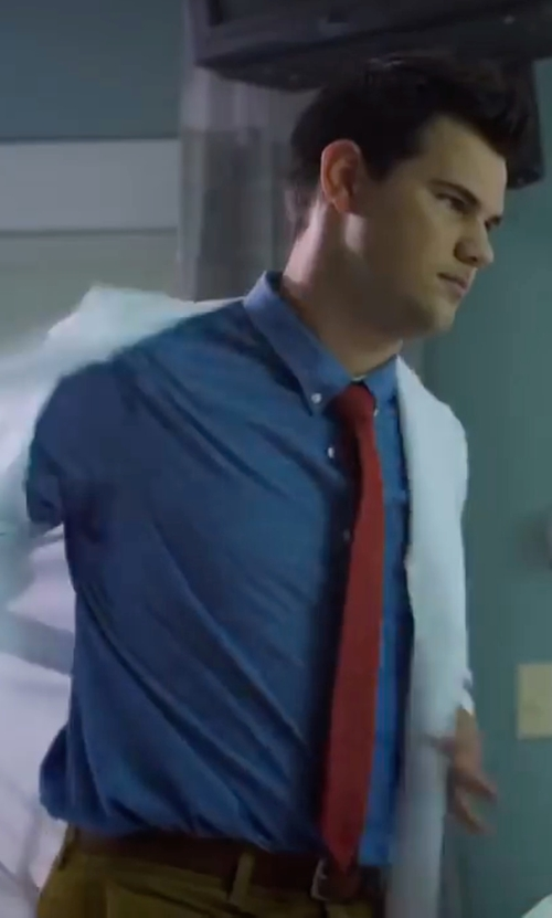 Taylor Lautner with Shinola Nato Leather Belt in Scream Queens