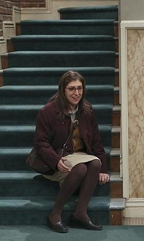 Mayim Bialik with Icebreaker Victory Long Sleeve Zip Jacket in The Big Bang Theory