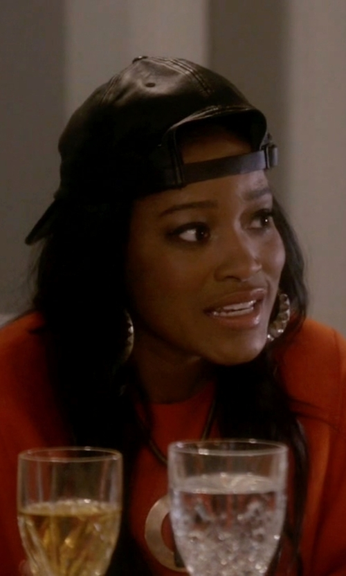 Keke Palmer with Moon And Lola Monogram Large Golden Block Pendant Necklace in Scream Queens