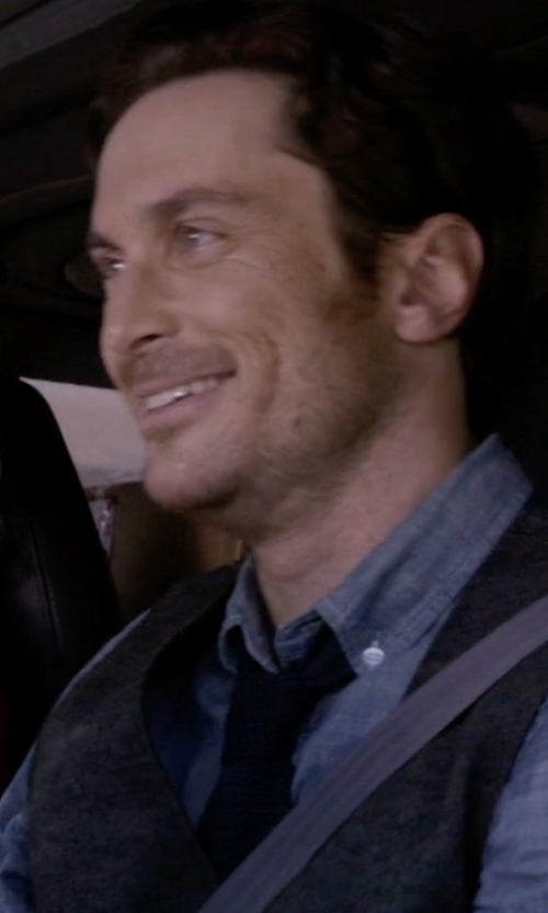 Oliver Hudson with Michael Michael Kors Textured Silk Tie in Scream Queens