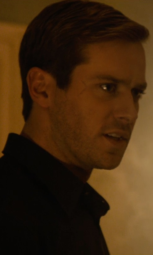 Armie Hammer with Prada Cotton Point Collar Dress Shirt in The Man from U.N.C.L.E.