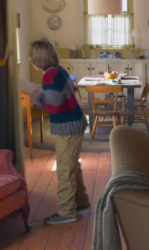 Ed Oxenbould with Tommy Hilfiger One- Pocket Cargo Pants in The Visit
