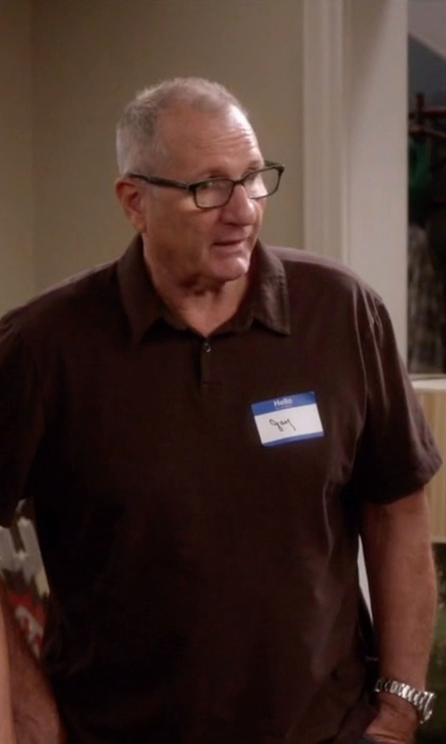 Ed O'Neill with Vince Camuto Round Bracelet Watch in Modern Family