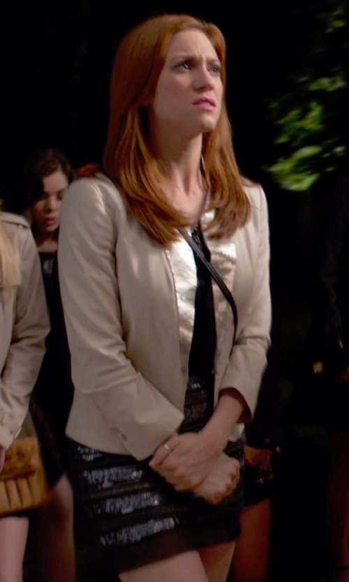 Brittany Snow with Beayukmui Mini Skirt in Pitch Perfect 2
