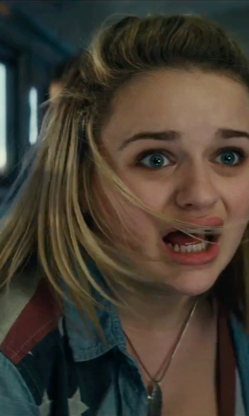Joey King with Desigual Embellished Denim Shirt in Independence Day: Resurgence
