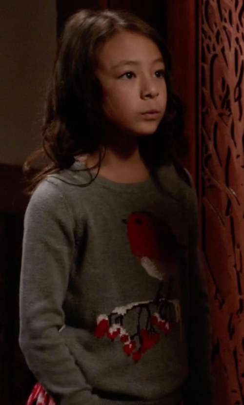 Aubrey Anderson-Emmons with Gap Intarsia Bird Sweater in Modern Family