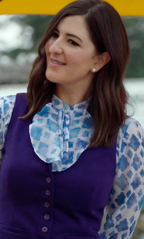 D'Arcy Carden with Theory Alrik Avery Printed Silk Blouse in The Good Place