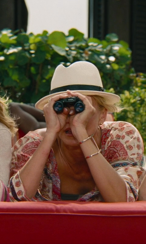Cameron Diaz with Tasco Essentials Binocular in The Other Woman