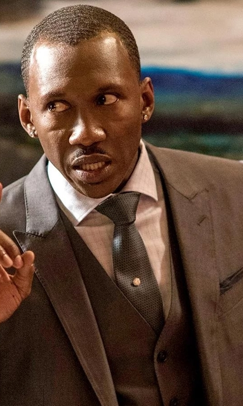 Mahershala Ali with Armani Collezioni Woven Neat Silk Tie in Marvel's Luke Cage
