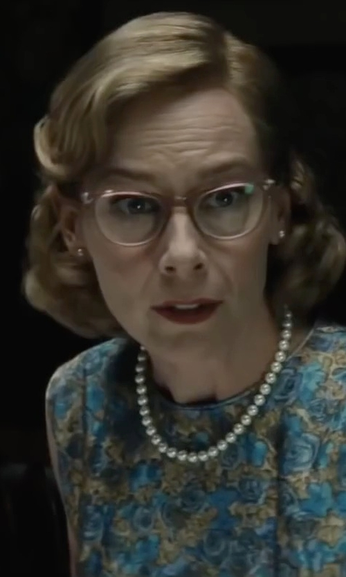 Amy Ryan with Honora Style Sterling Silver and Freshwater Pearl Stud Earrings in Bridge of Spies