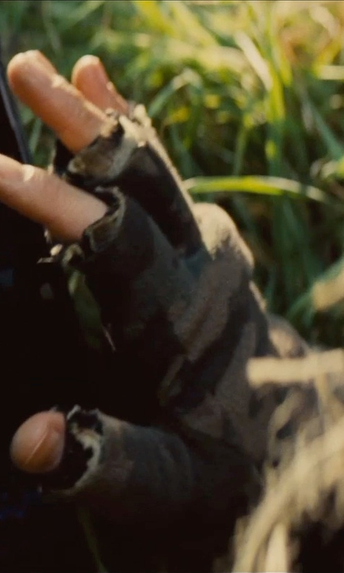 Simon Pegg with Ace Guarder Military Half-Finger Fingerless Gloves in Mission: Impossible - Rogue Nation