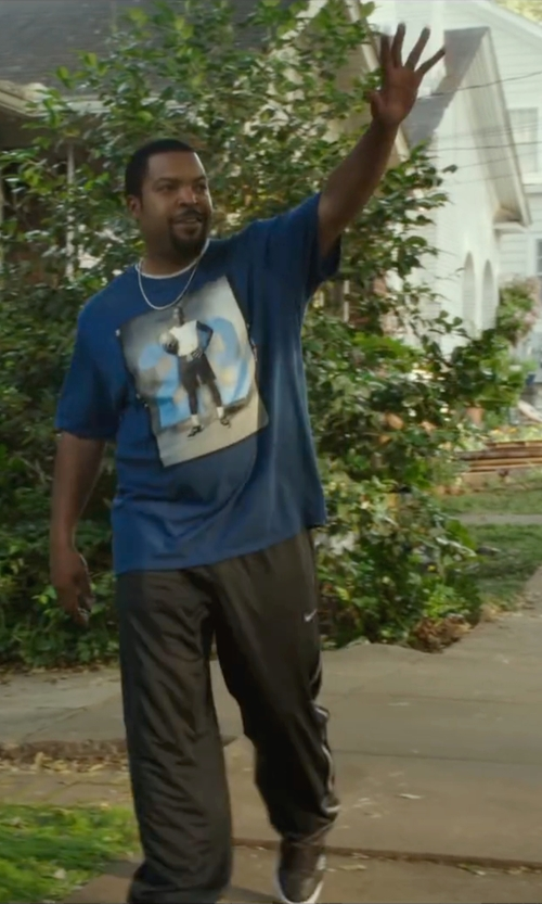Ice Cube with Nike Jordan Retro 7 Blocked T-Shirt in Barbershop: The Next Cut