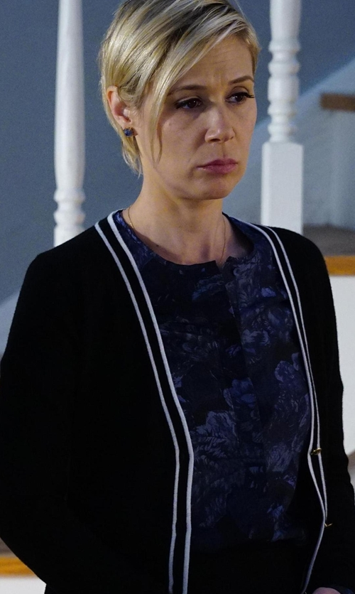 Liza Weil with Barneys New York Tipped Cashmere Cardigan in How To Get Away With Murder