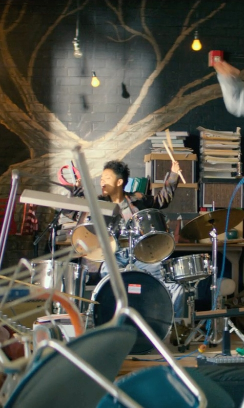 Kiersey Clemons with Vic Firth Classic 3a Drumsticks in Dope