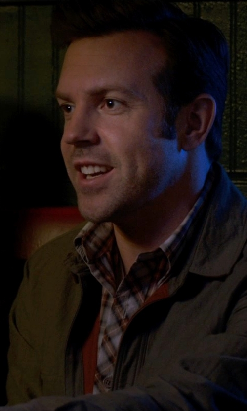 Jason Sudeikis with IZOD Men's Long Sleeve Stratton Baby Cord Button Down Shirt in Horrible Bosses 2
