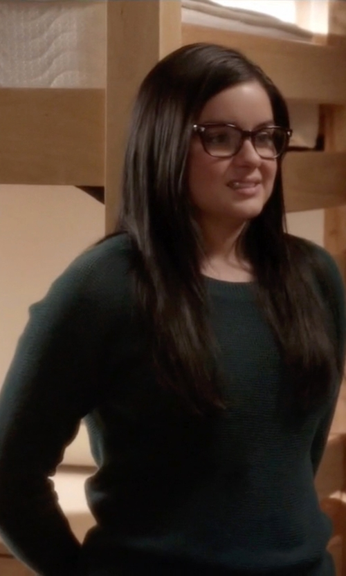Ariel Winter with J Crew Featherweight Cashmere T-Shirt in Modern Family