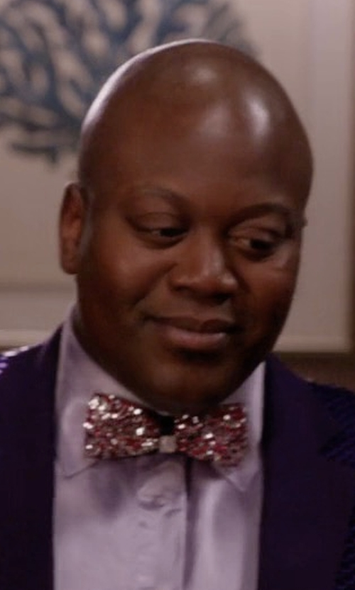 Tituss Burgess with Vittorio Farina Rhinestone Bow Tie in Unbreakable Kimmy Schmidt