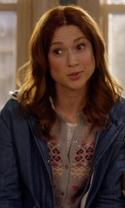 Unbreakable Kimmy Schmidt - Season 2 Episode 7 - Kimmy Walks Into a Bar!