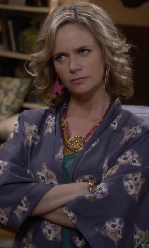 Andrea Barber with Bea & Dot It Had To Be Mew Kimono in Fuller House