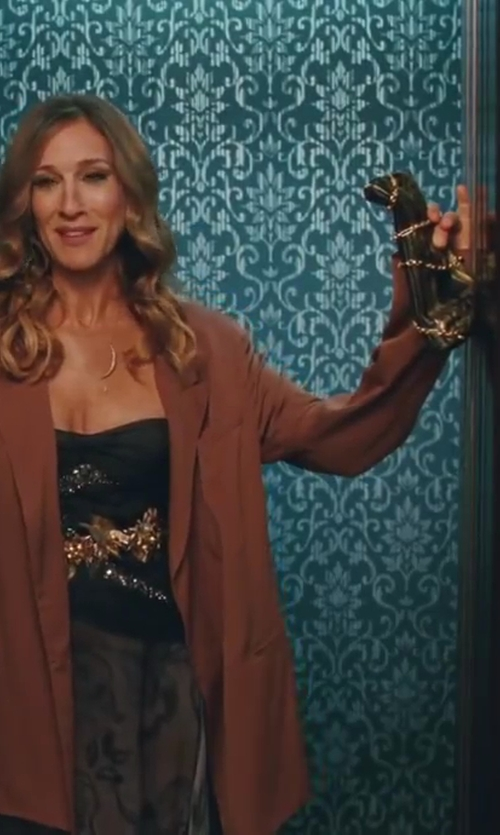 Sarah Jessica Parker with Chanel Wallet Bags in Sex and the City 2
