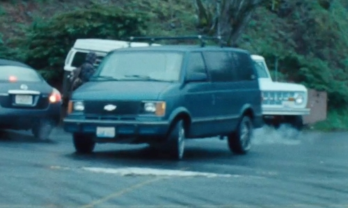 Unknown Actor with Chevrolet 1990 Chevy Astro Van in Twilight