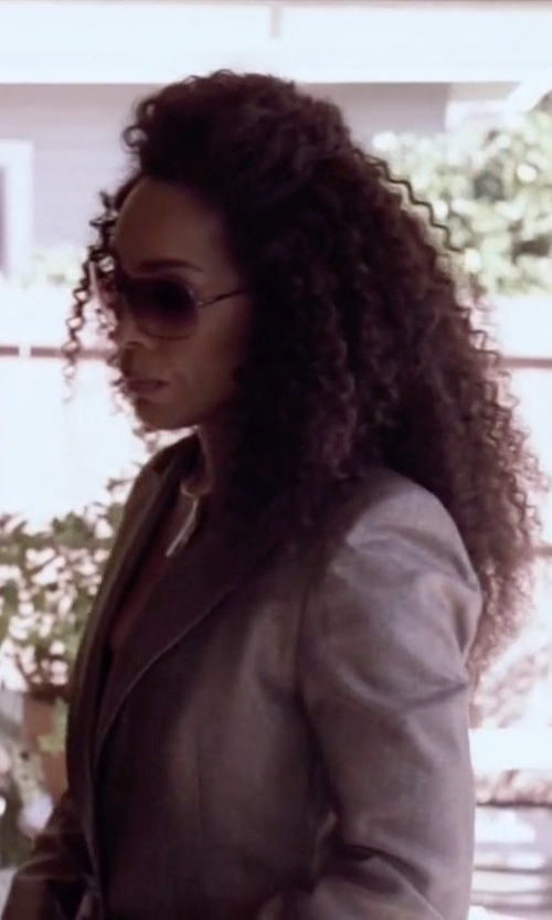 Angela Bassett with Oliver Peoples Elsie Oversized Round Sunglasses in American Horror Story