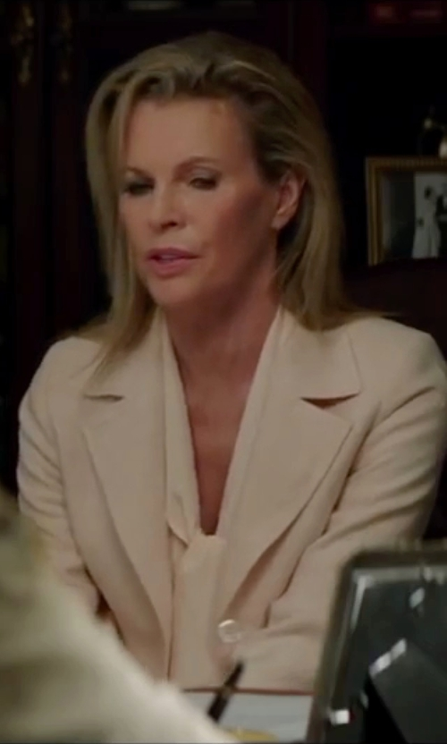 Kim Basinger with Theory  Lousine Linen-Blend Blazer in The Nice Guys