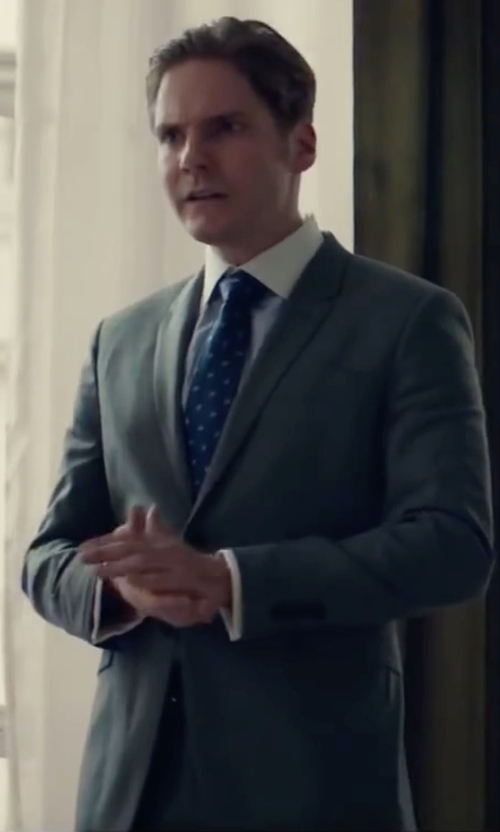 Daniel Brühl with Paul Smith London Two Piece Suit in Burnt
