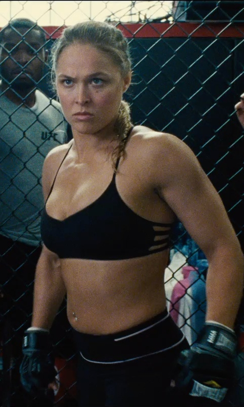 Ronda Rousey with West Coast Jewelry Topaz Gemstone Round Navel Ring in Entourage