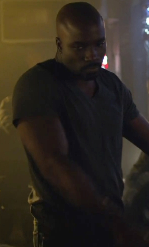 Mike Colter with Eleventy V-Neck T-Shirt in Jessica Jones