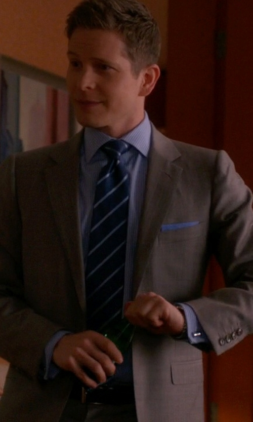Matt Czuchry with Jil Sander Flannel Two-Button Claudia/Clive Suit in The Good Wife