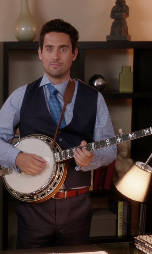 Ed Weeks with Jameson Guitars 5-String Banjo in The Mindy Project