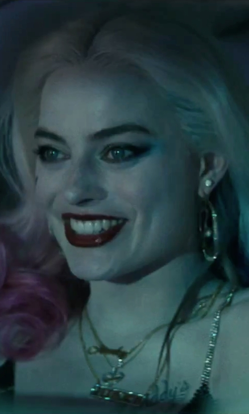 Margot Robbie with Lele Sadoughi Sands Of Time Pendulum Pearly Drop Earrings in Suicide Squad