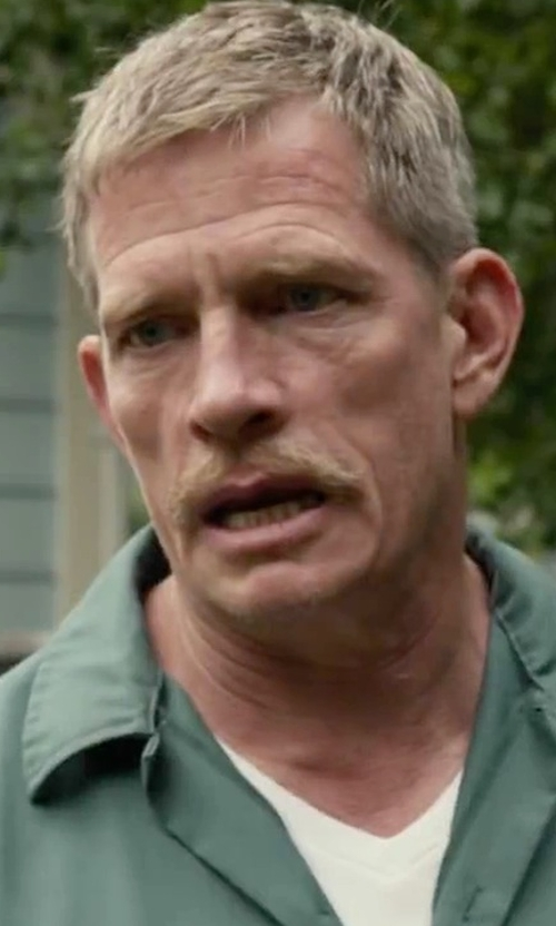 Thomas Haden Church with H & M V-Neck T-Shirt in Max