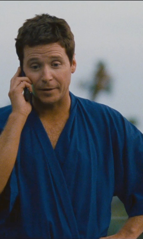 Kevin Connolly with Izod Mens 3/4 Sleeve Waffle Weave Robe in Entourage