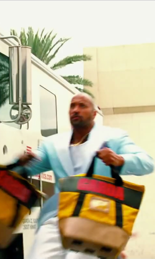 Dwayne Johnson with Incotex Chinolino Trousers in Pain & Gain