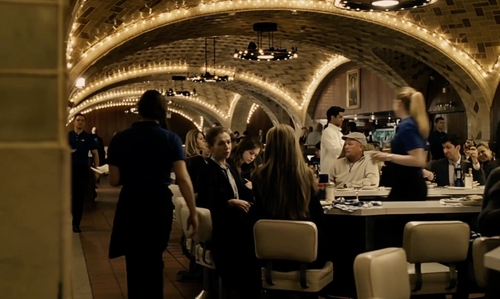 Emily Blunt with Grand Central Oyster Bar Restaurant New York City, New York in The Girl on the Train