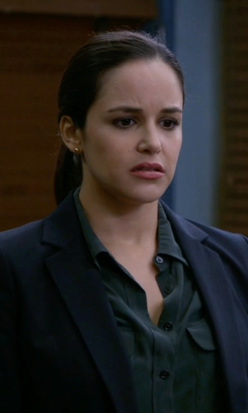 Melissa Fumero with Equipment Slim Signature Silk Shirt in Brooklyn Nine-Nine