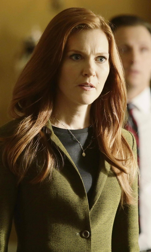 Darby Stanchfield with Max Mara Acciuga Jacket in Scandal