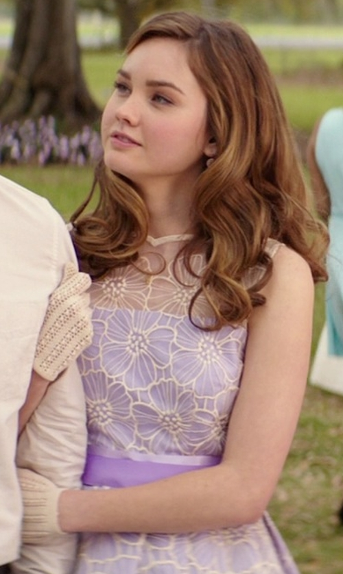 Liana Liberato with Grandoe Leto Texting Finger Cut Gloves in The Best of Me