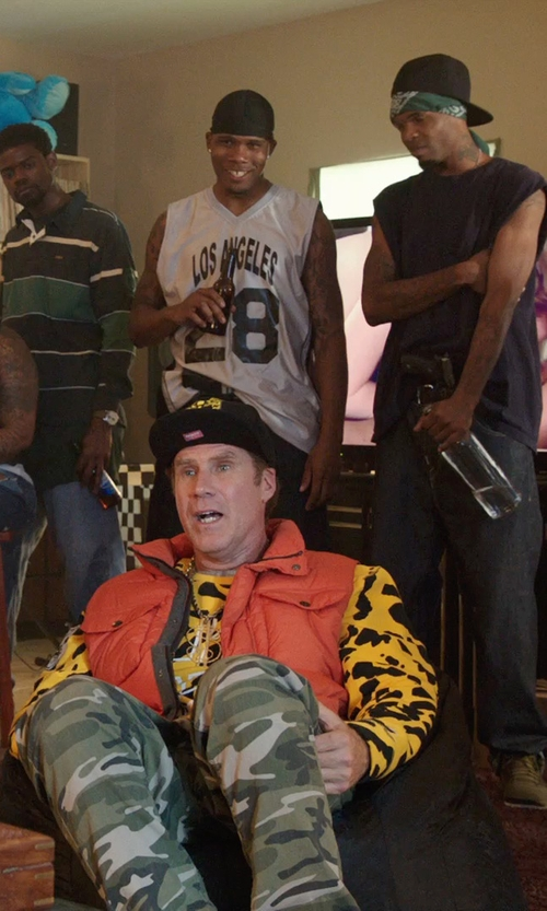 Will Ferrell with Target Gold Medal Bean Bag Chair in Get Hard
