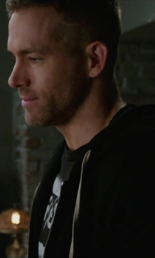 Ryan Reynolds with Broadway.com RENT Crewneck Shirt in Deadpool