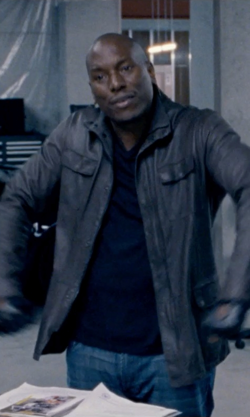 Tyrese Gibson with James Perse V-Neck Jersey T-Shirt in Fast & Furious 6