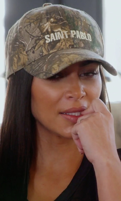 Kim Kardashian West with Kanye West Saint Pablo Camouflage Cap in Keeping Up With The Kardashians