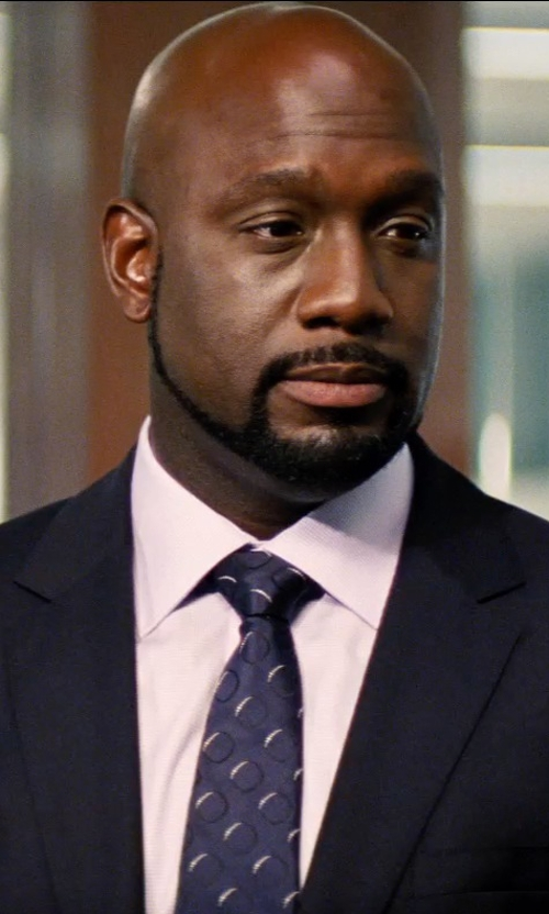 Richard T. Jones with Brioni Small-Medallion Silk Tie in Hot Pursuit