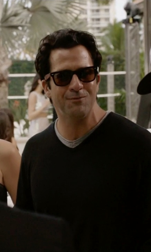 Troy Garity with Ray-Ban Original Wayfarer Classis Sunglasses in Ballers