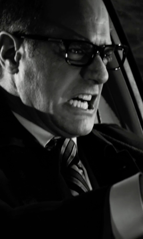 Christopher Meloni with Theory Weller Suit Jacket in Frank Miller's Sin City: A Dame To Kill For